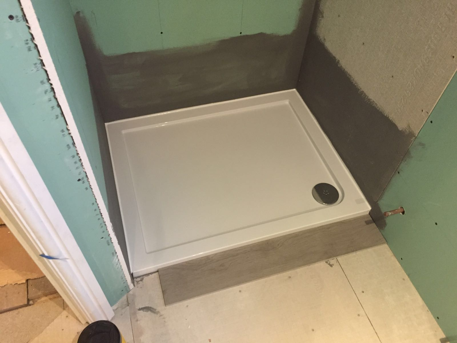 Shower tray installation 3