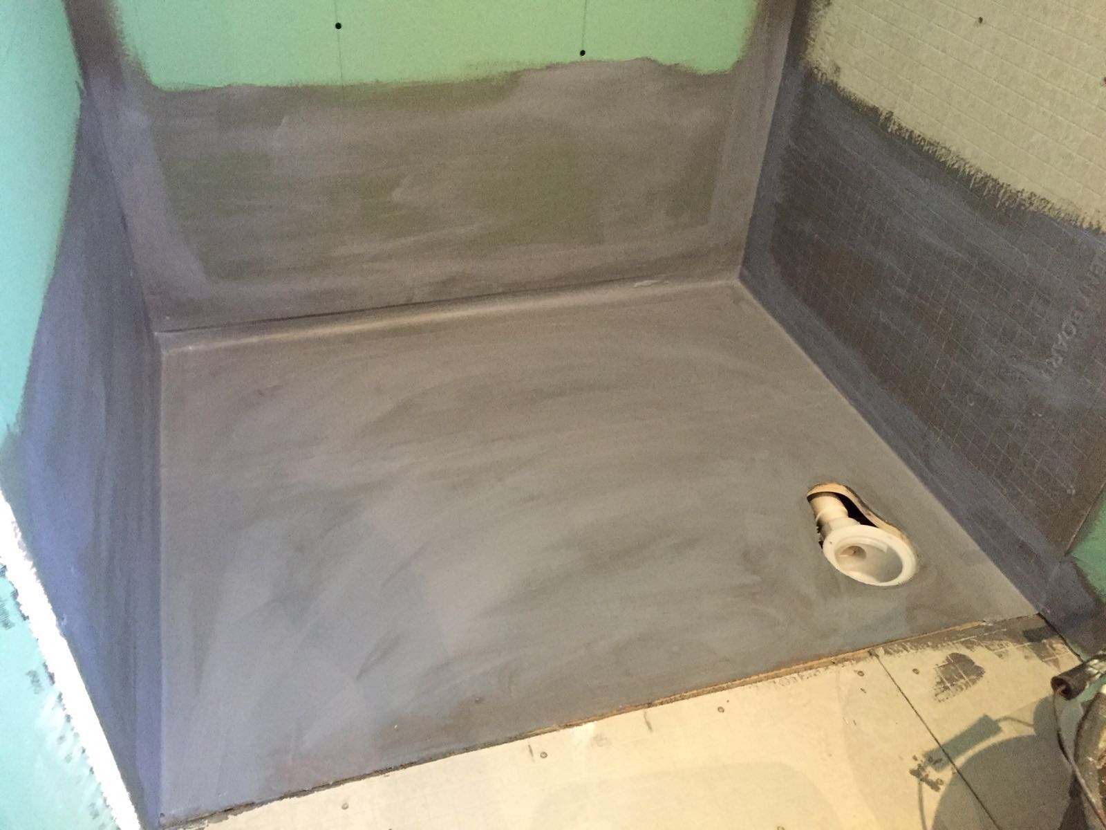 shower tray installation 2